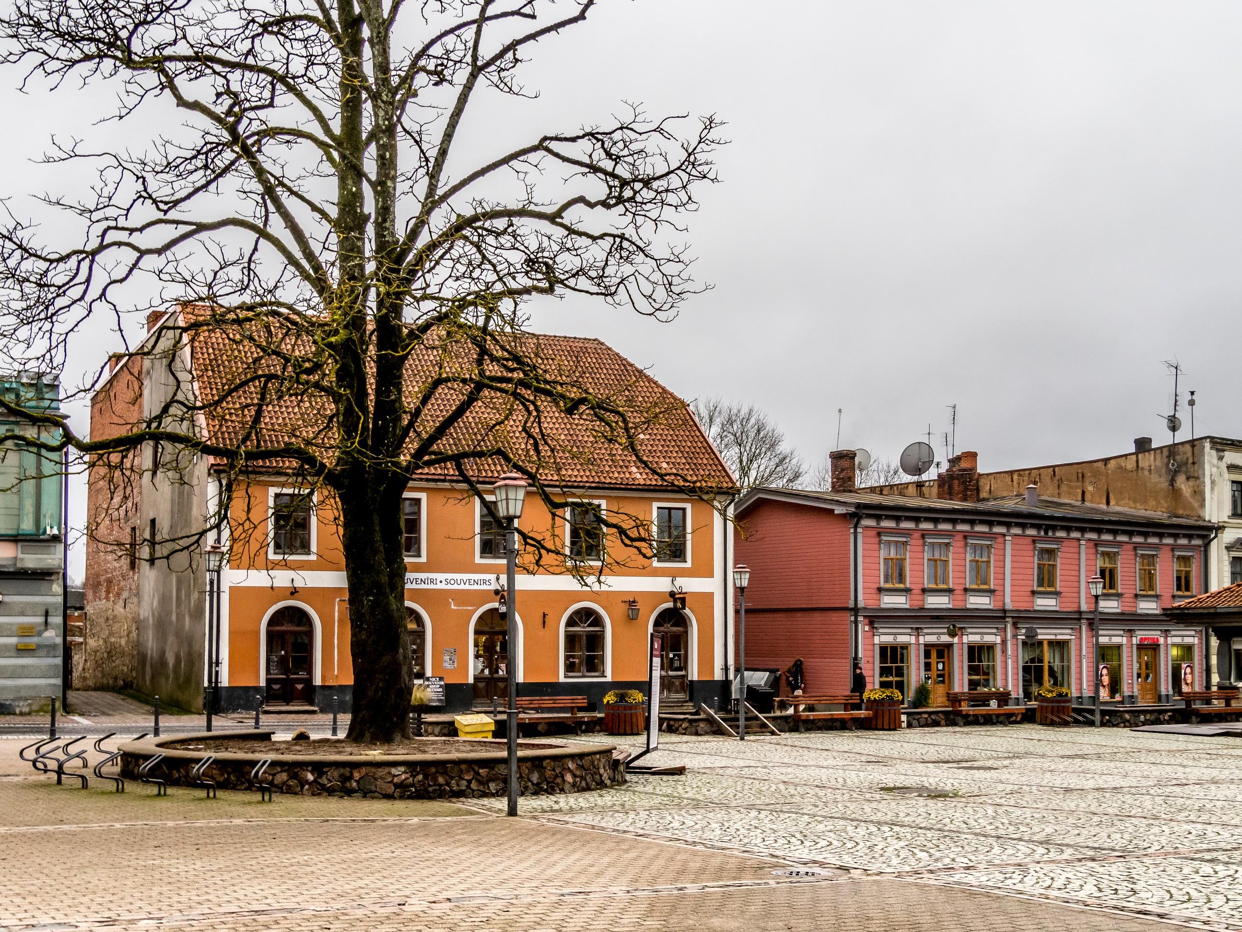 Visiter Cēsis, Lettonie